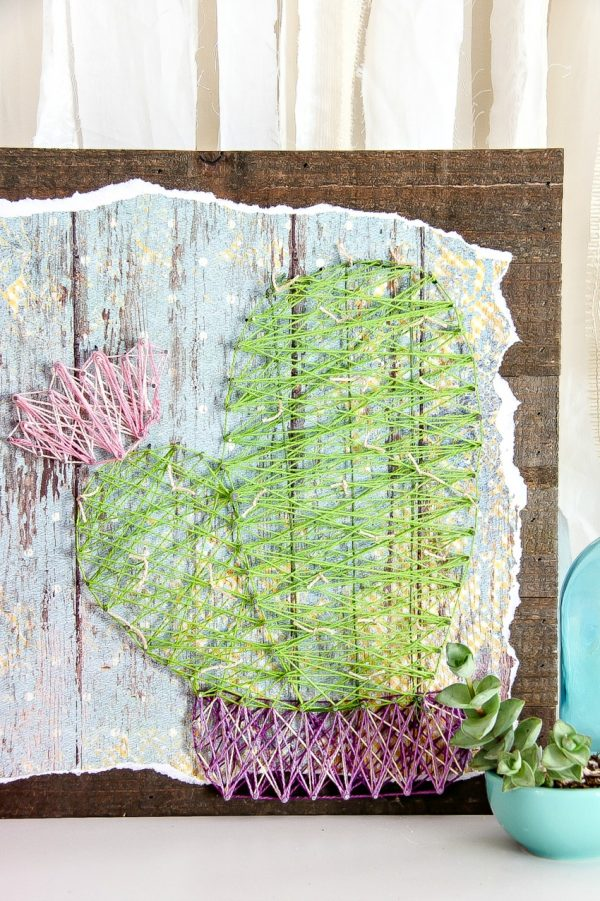 DIY cactus string art for summer (via www.makeandtakes.com)