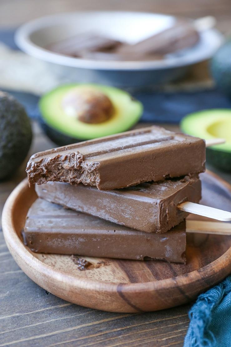 DIY dairy free paleo avocado fudgesicles (via www.theroastedroot.net)