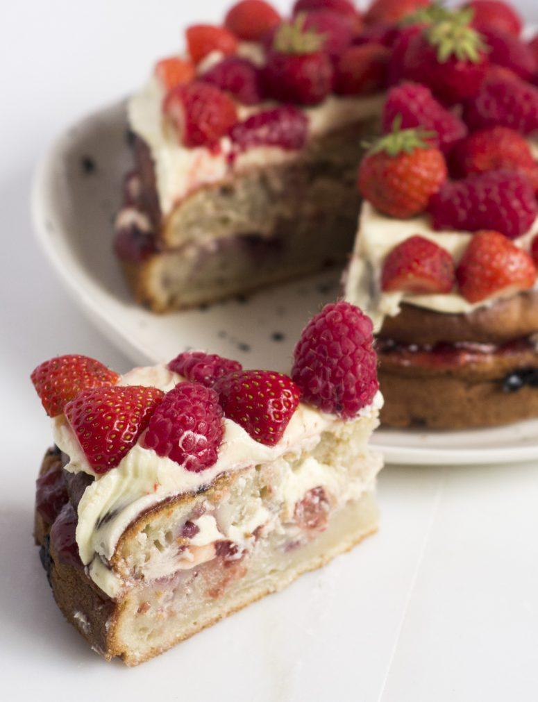 DIY raspberry vegan Victoria sponge cake (via wrappedinnewspaper.com)