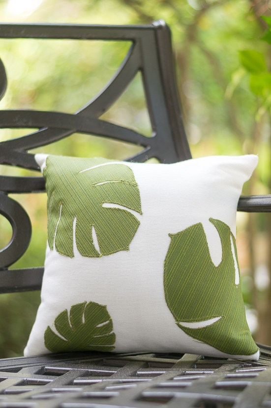 DIY palm leaf applique pillow (via nourishandnestle.com)