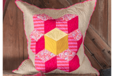 DIY patchwork summer pillow in pink