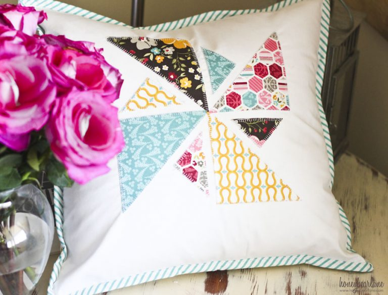 DIY summer pinwheel applique pillow (via www.honeybearlane.com)