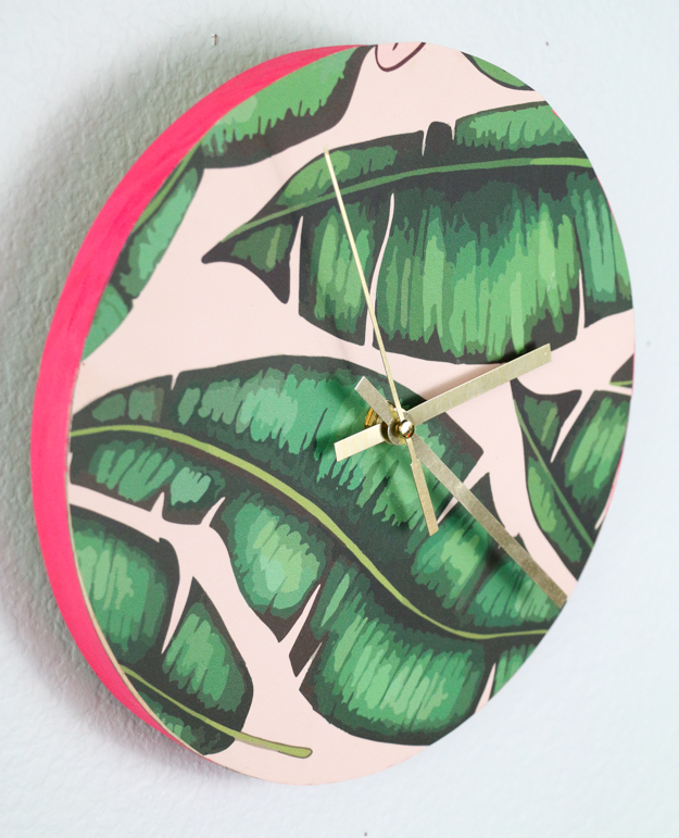 DIY palm leaf printed clock (via www.akailochiclife.com)