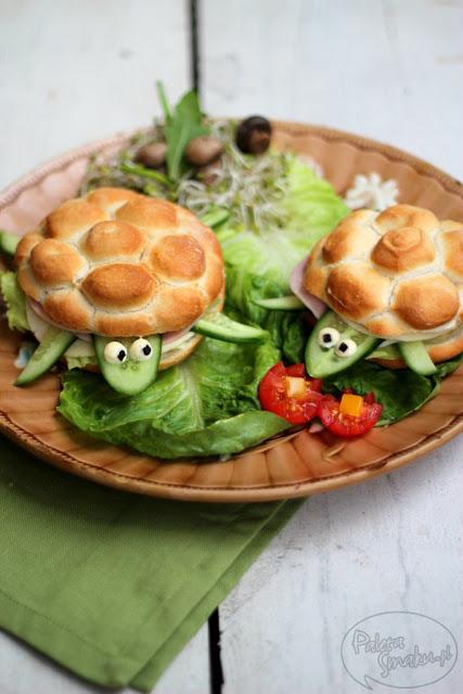 DIY turtle sandwiches (via paletasmaku.blogspot.ru)
