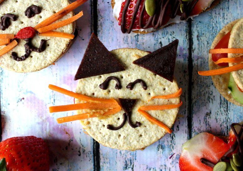 DIY gluten free cat snacks (via kitchenwindowclovers.com)