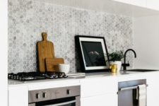 05 marble hexagon tiles make the kitchen look refined and chic