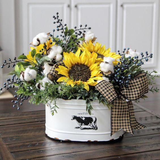 Flower Arrangements For Home Decor: 15 Cheerful Sunflower Kitchen Decor Ideas