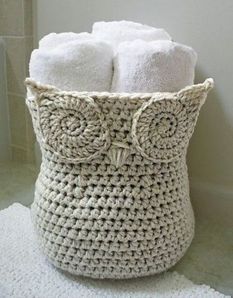 a crochet basket for towels will cheer up your bathroom, and you can make it yourself