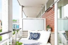 08 a pallet daybed can be built by you yourself on the balcony