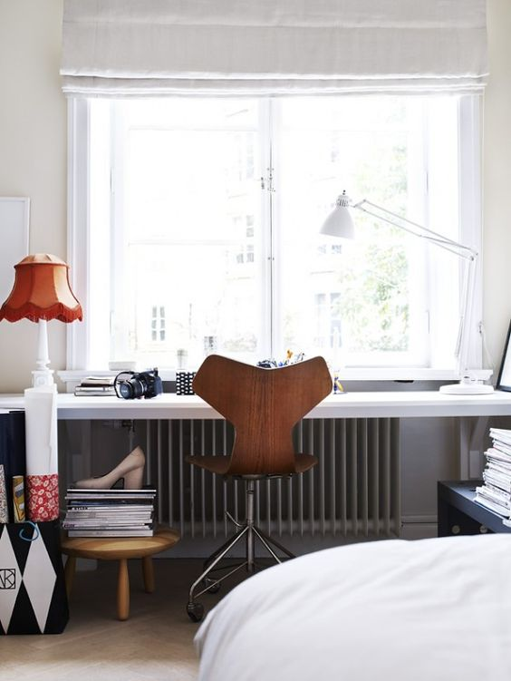 if there's no space for a working zone, use a bedroom windowsill