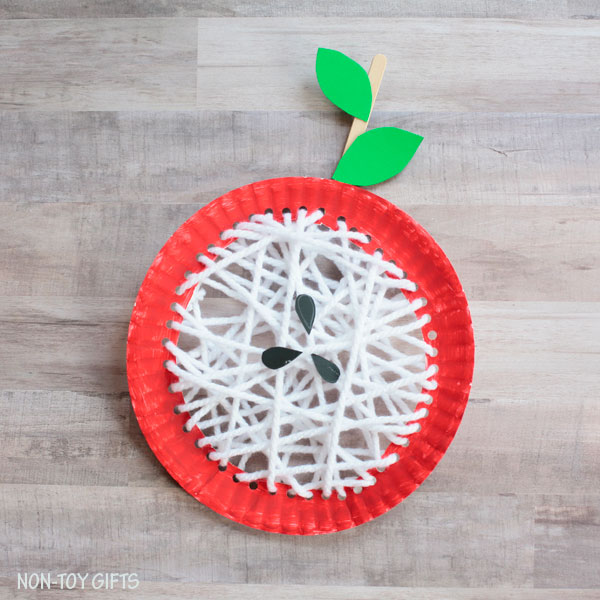 DIY paper plate and yarn apple craft