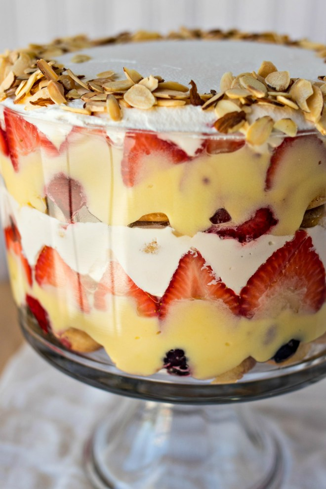 DIY traditional English trifle (via www.certifiedpastryaficionado.com)
