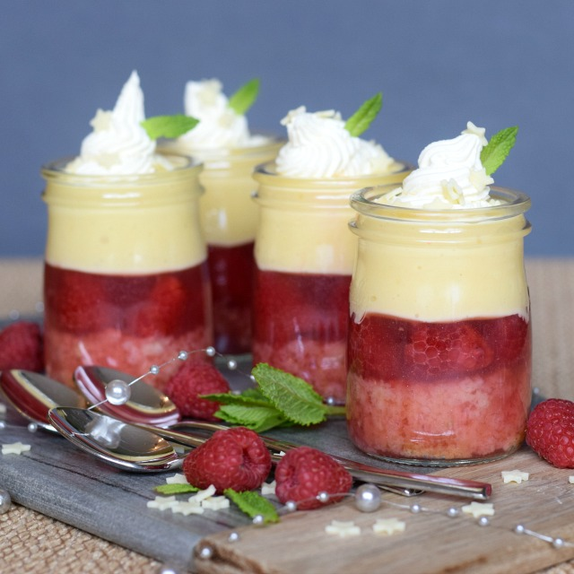 DIY raspberry white chocolate trifles (via www.onlycrumbsremain.co.uk)