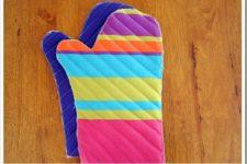 DIY striped oven mitt