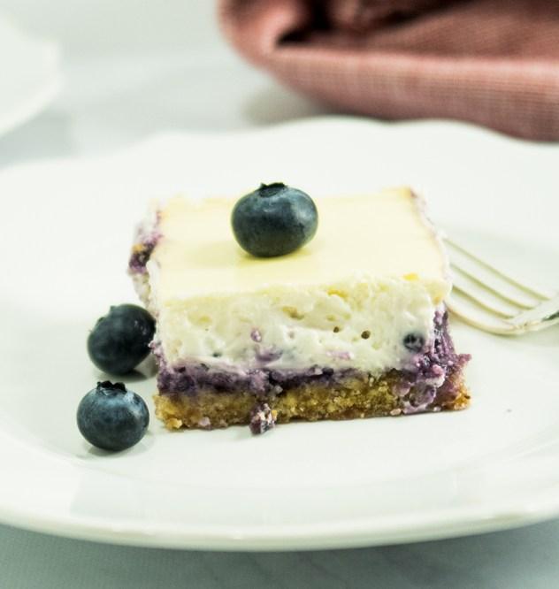 DIY blueberry cheesecake squares (via stephaniesain.com)