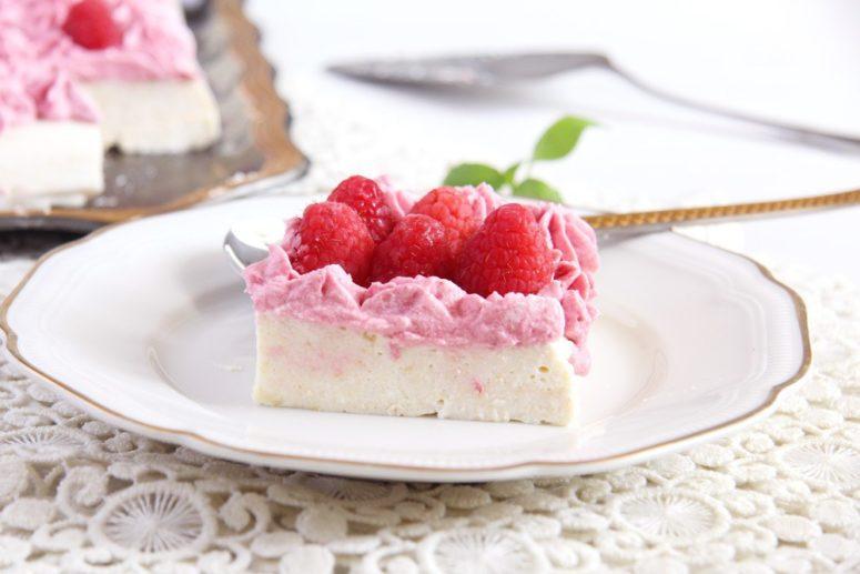 DIY ricotta cheesecake with raspberries (via https:)
