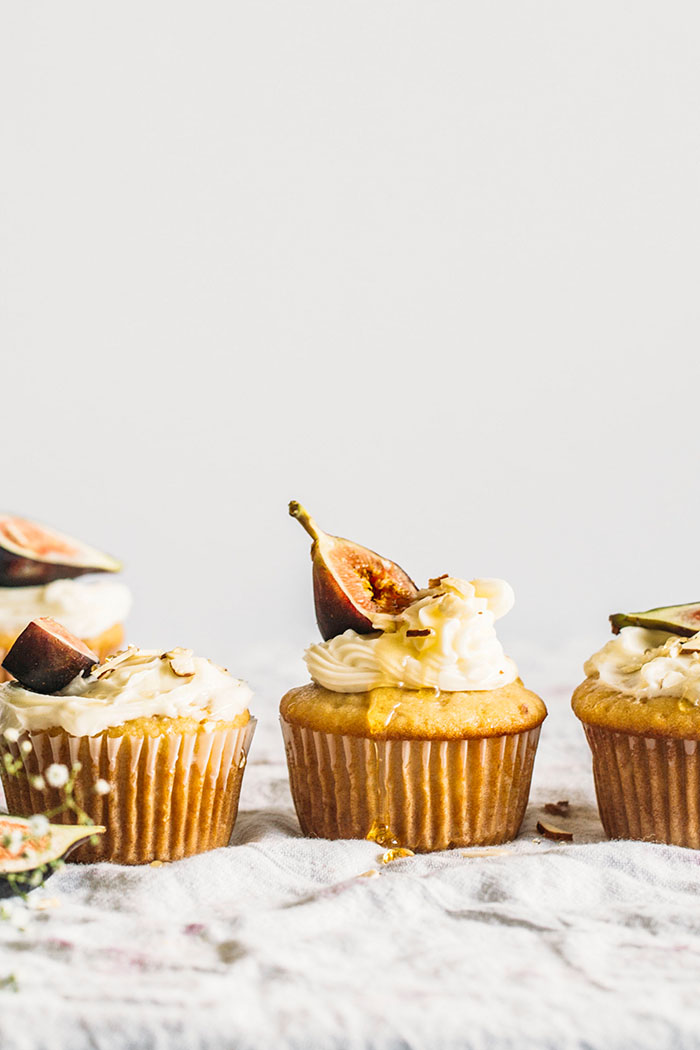 DIY vegan almond cupcakes (via thealmondeater.com)