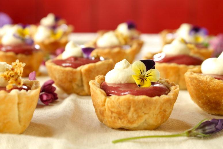 DIY plum and elderberry curd tartlets (via www.wherethewildcakegrows.com)