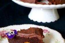 DIY vegan chocolate olive oil cake