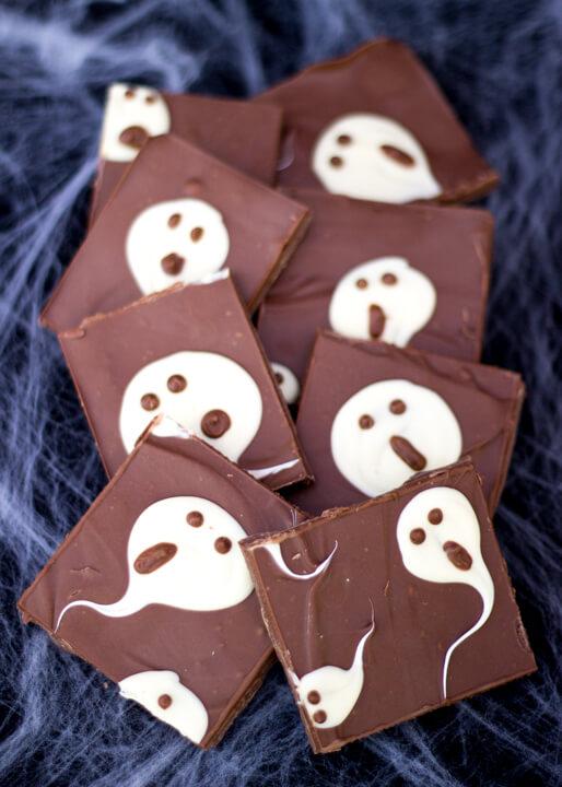 DIY milk chocolate ghost bark (via kitchenmason.com)