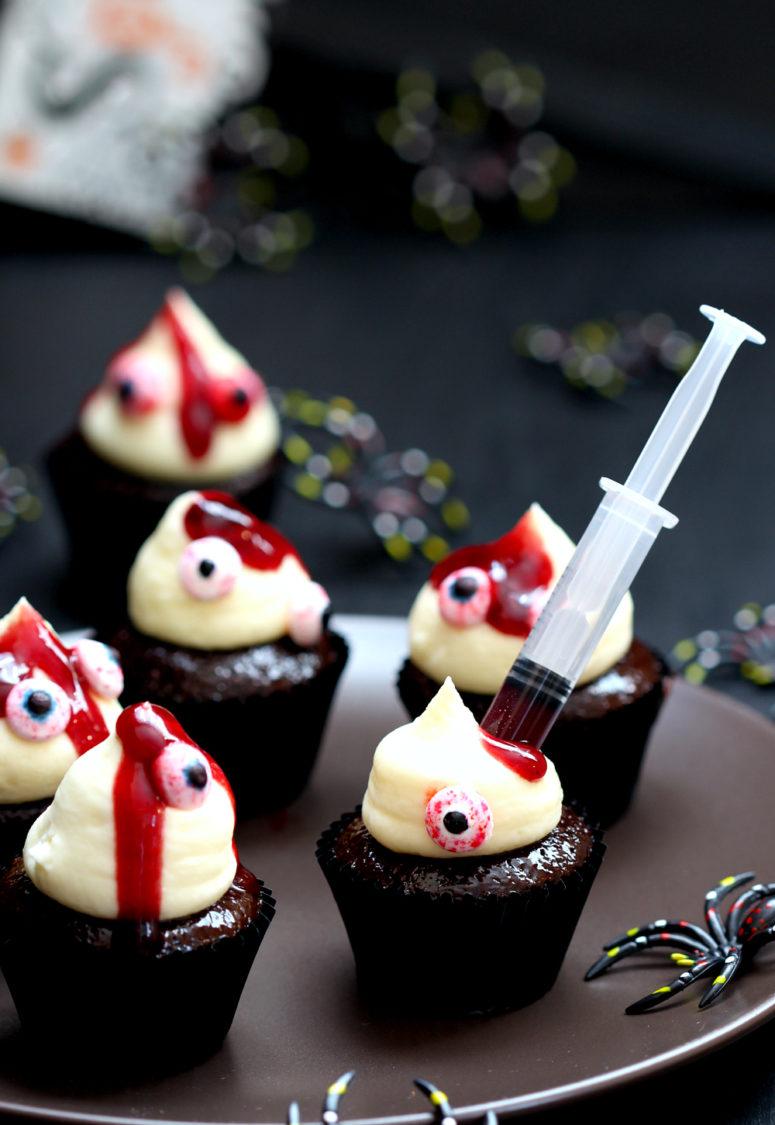 DIY bloody eye cupcakes (via www.mybarecupboard.com)