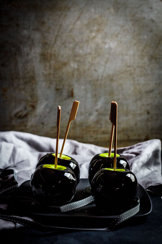 DIY poison toffee apples