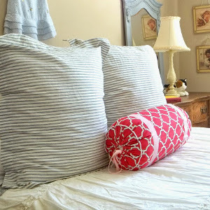 DIY small bolster pillow (via https:)