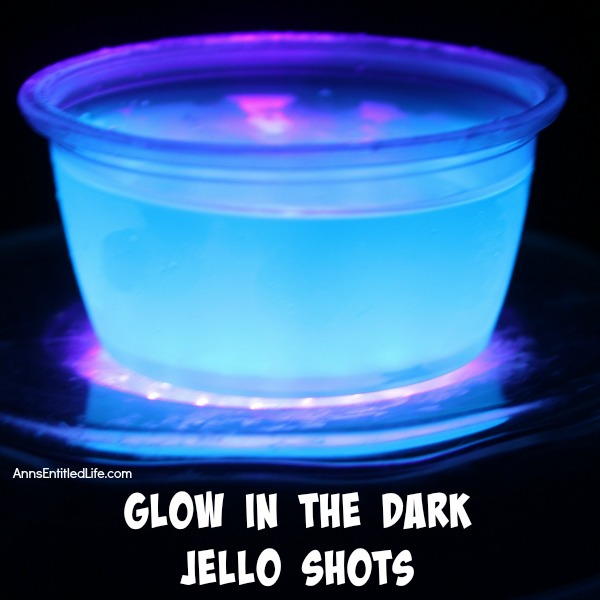 11 Spooky DIY Halloween Jello Shot Recipes - Shelterness