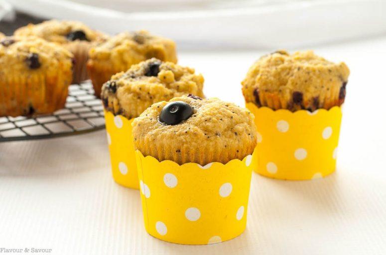 DIY blueberry lemon poppyseed muffins (via https:)