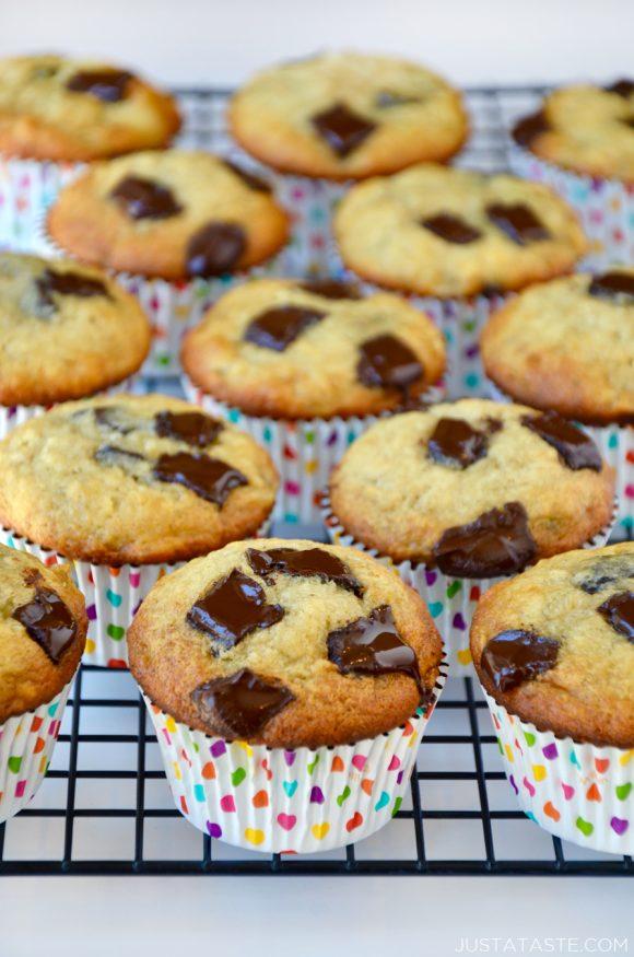 DIY banana chocolate chunk muffins (via https:)