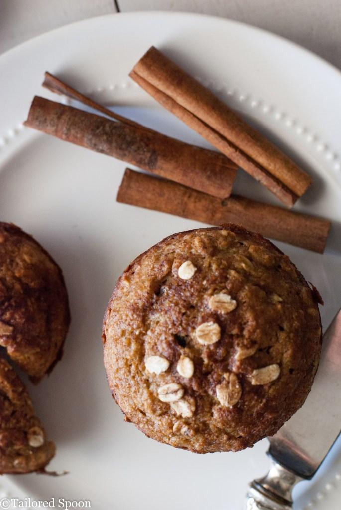 DIY applesauce oatmeal muffins (via https:)