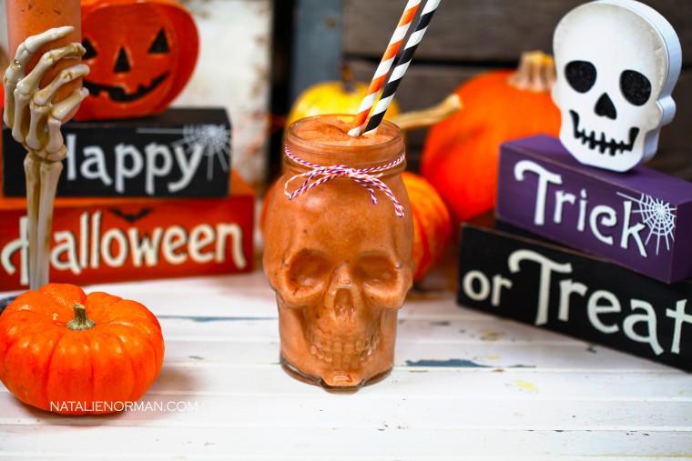 DIY raw vegan pumpkin spice milkshake