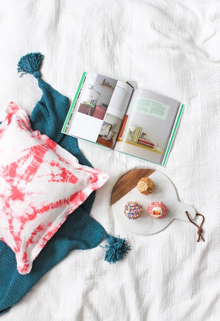 DIY pink shibori pillow (via thecraftedlife.com)