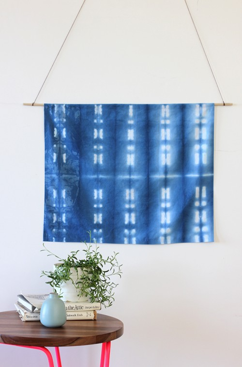 DIY shibori indigo wall hanging (via www.shelterness.com)