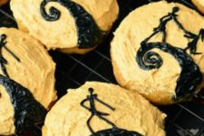 06 Nightmare Before Christmas cookies for a stylish Burton-themed Halloween party