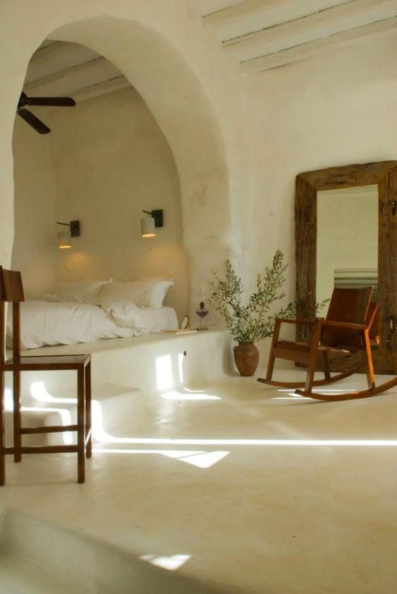 Good Cave Inspired Bedroom For A Coastal House With Stucco Walls And Floors