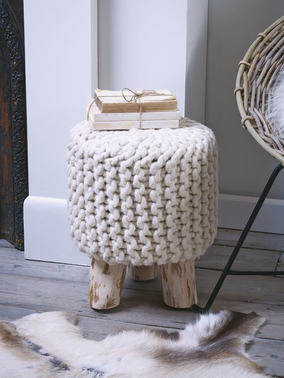 15 Cozy Chunky Knit Home Decor Ideas Shelterness