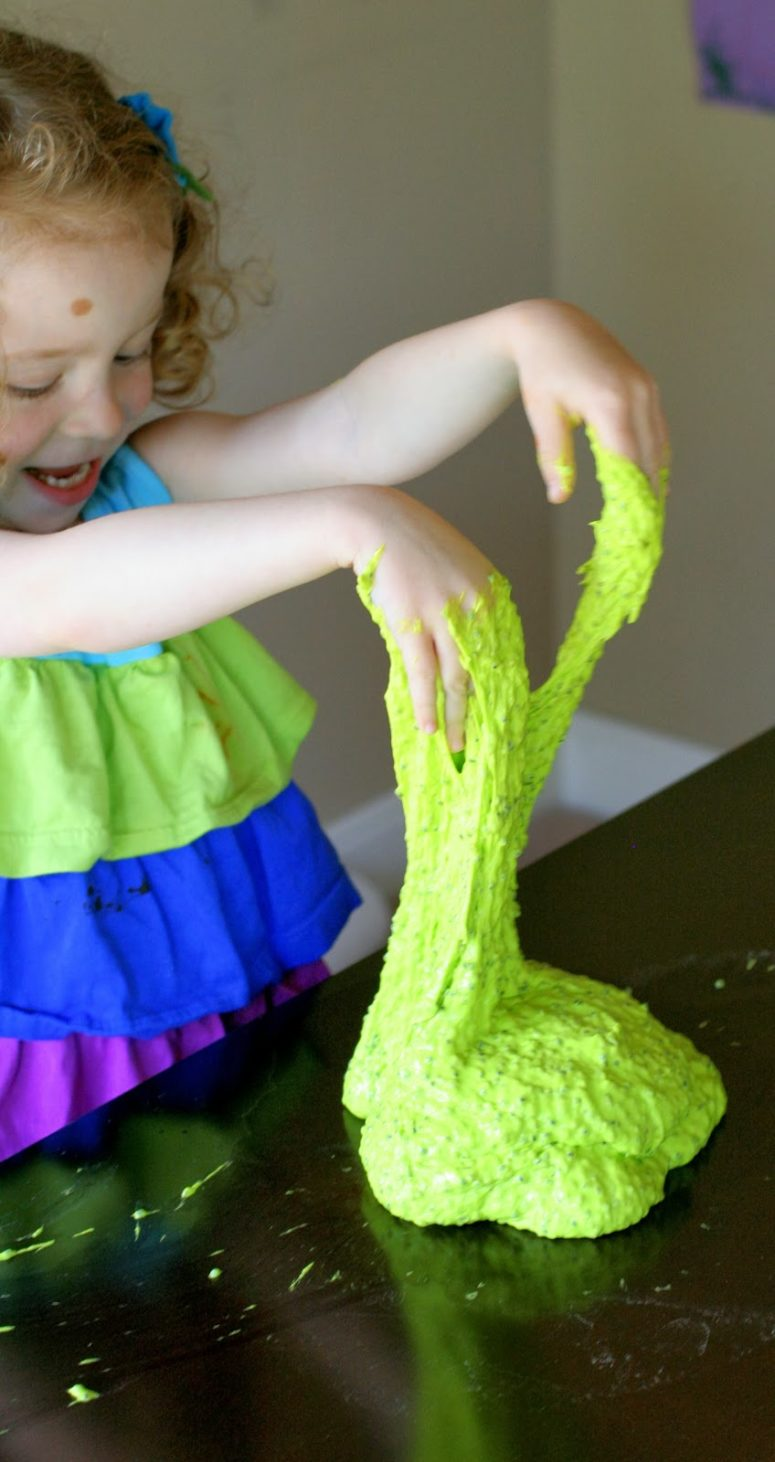 DIY edible slime for Halloween (via www.funathomewithkids.com)