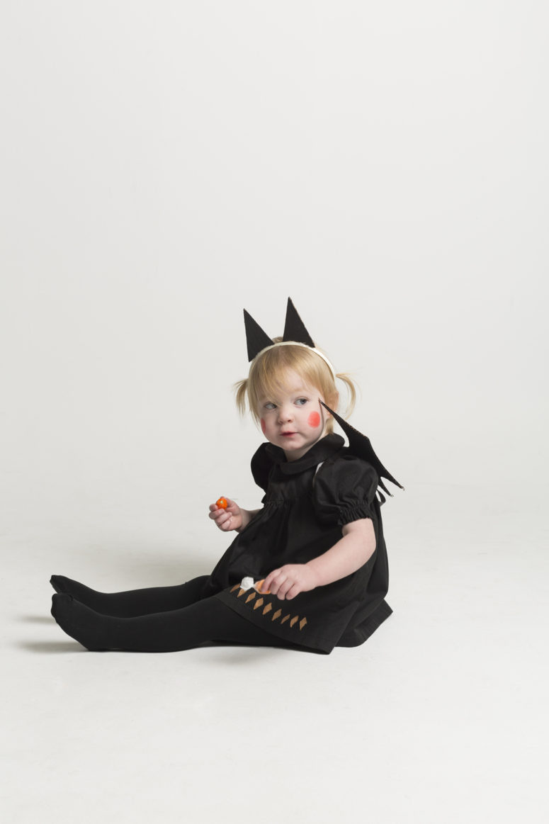 DIY batty ensemble for Halloween (via mermagblog.com)