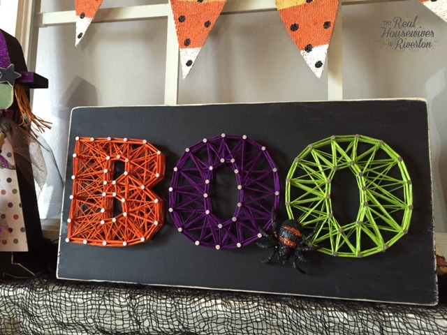 DIY colorful BOO string art (via www.housewivesofriverton.com)