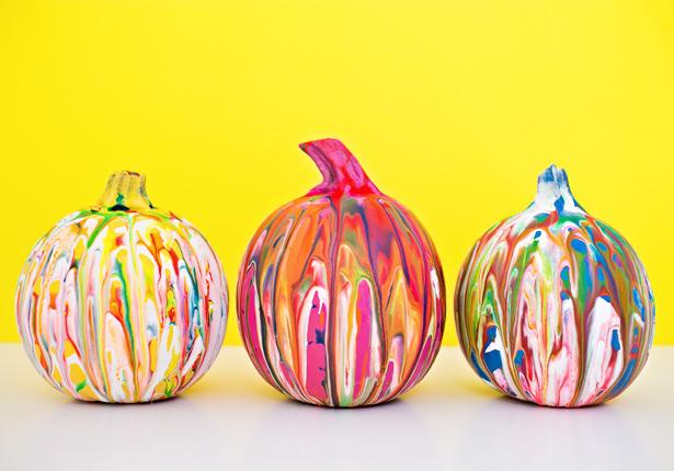 DIY squeeze paint pumpkins (via https:)