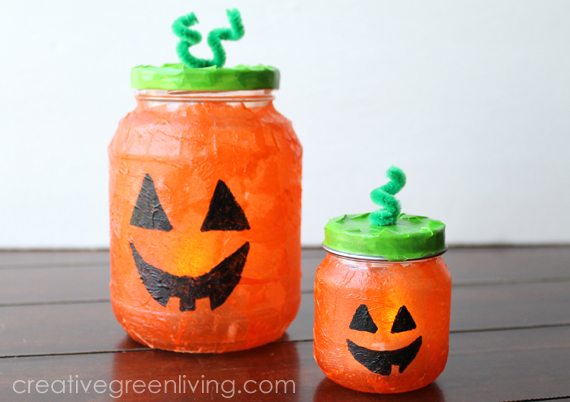 DIY Jack-o-lantern pumpkin luminary  (via www.creativegreenliving.com)
