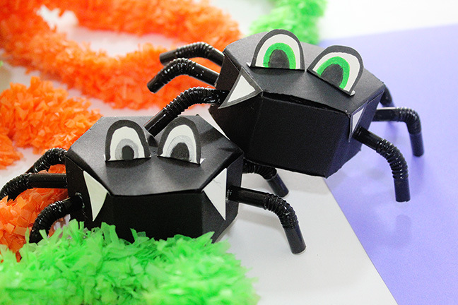 DIY spider candy boxes (via thecraftables.com)
