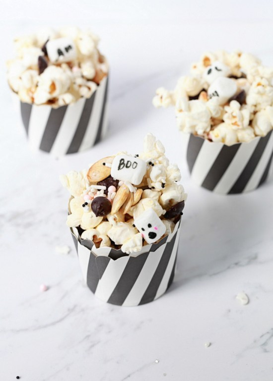 DIY sweet spooky popcorn (via poshlittledesigns.com)