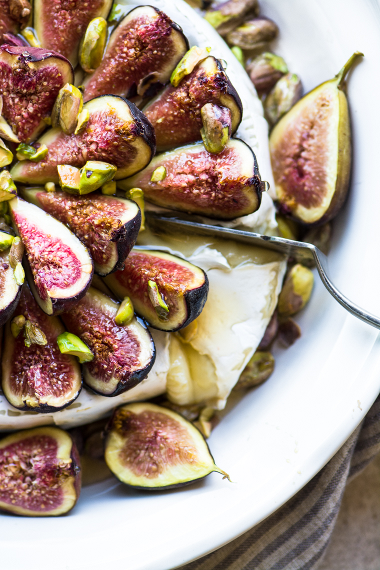 DIY baked brie with figs and honey (via https:)