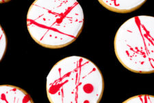 DIY blood splatter cookies