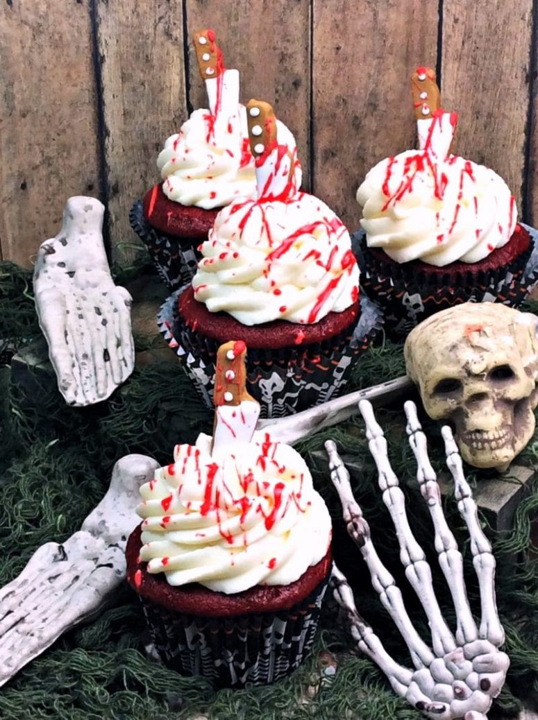 DIY bloody cupcakes (via https:)