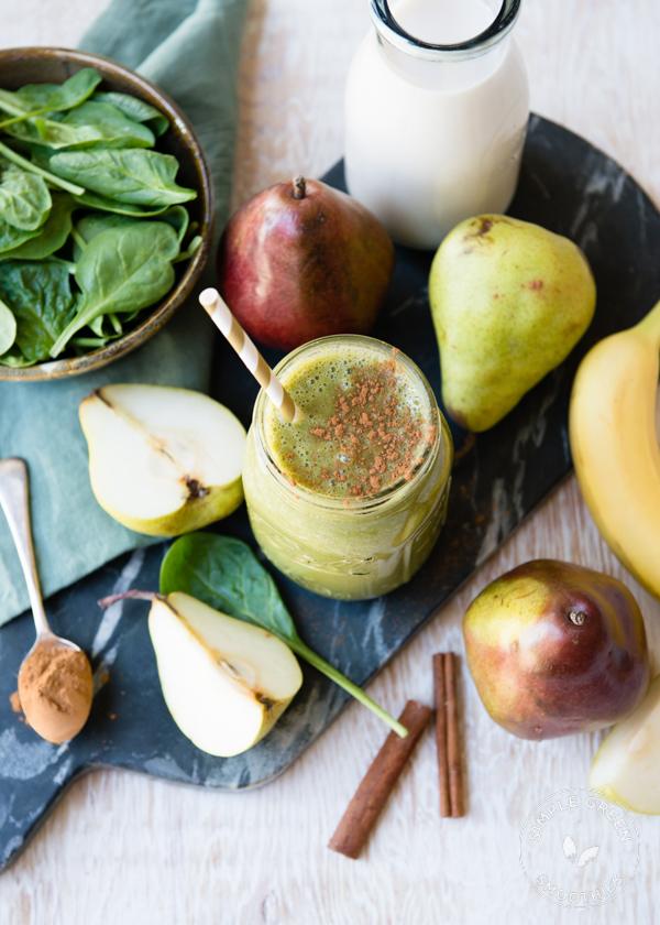 DIY sweet pear smoothie (via https:)