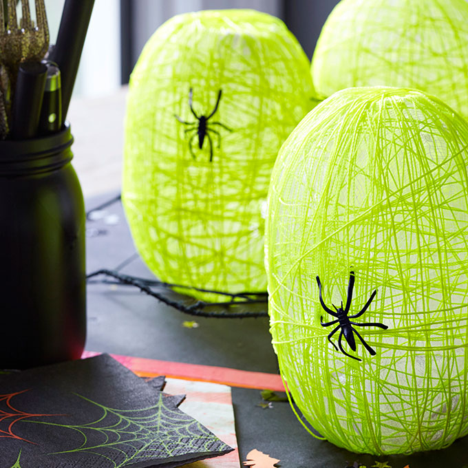 DIY spider nest lanterns (via https:)