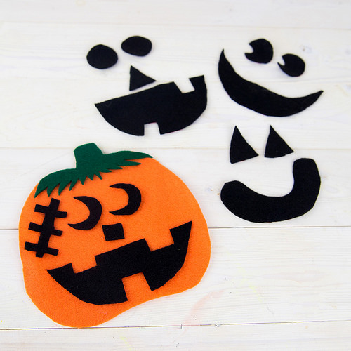 DIY felt pumpkin preschool craft (via thenerdswife.com)